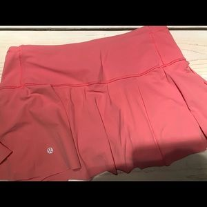 Lululemon athletica pace rival tennis skirts